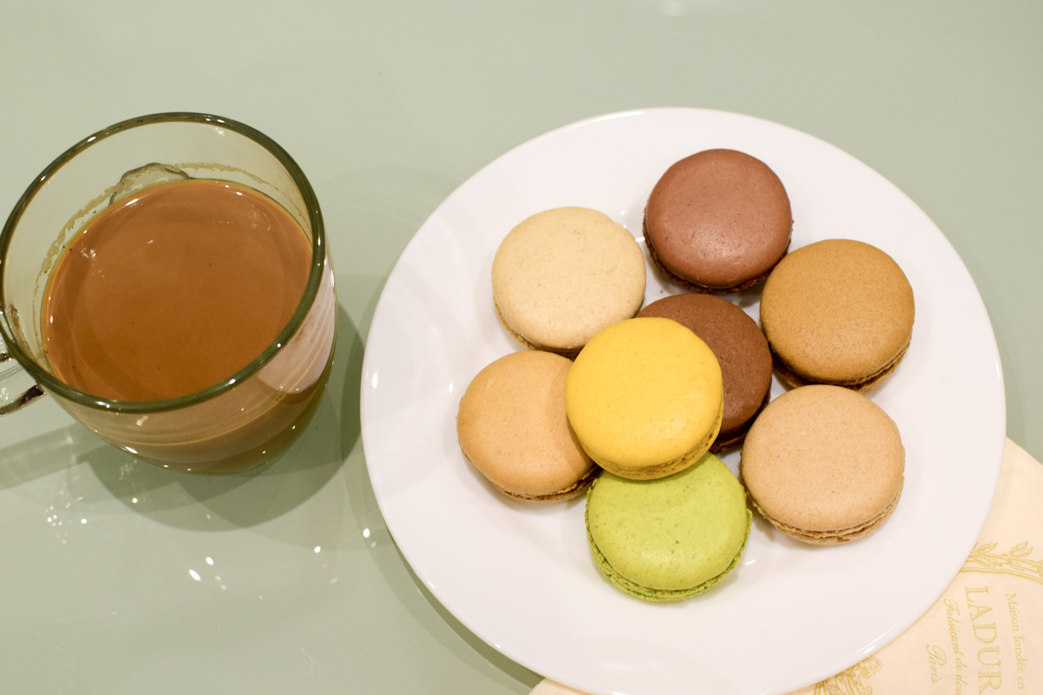 chai-and-macarons2