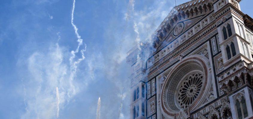 Easter in Florence: Explosions of the Cart